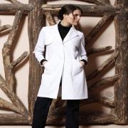 🇫🇷 À l'occasion de la journée internationale des infirmières, (re)découvrez notre gamme de vêtements dédiés aux métiers de la santé :  Des blouses aux tuniques mi-longues en passant par les kimonos et les pantalons 👘🥼  Tous nos modèles sont conçus pour vous apporter un maximum de confort & d'hygiène tout en garantissant style & élégance ✨  À retrouver sur notre site internet ⬇ lien dans la bio @beautystreetparis - 🇬🇧 On the occasion of International Nurse Day, (re) discover our range of clothing dedicated to healthcare professions:  From blouses to mid-length tunics, including kimonos and pants 👘   All our models are designed to bring you maximum comfort & hygiene while guaranteeing style & elegance ✨  To find on our website ⬇ link in bio @beautystreetparis  #modehomme #vetementsprofessionnels #hopital #hôpital #hopitaux #modehomme #workwear #workwearstyle #workwearfashion #hospitallife #infirmier #healthcareprofessional