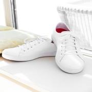 🇫🇷 Faites de votre confort une priorité en optant pour une chaussure conçue pour votre activité 👟  Découvrez les baskets CRUISE : confortables, chics et parfaitement adaptées à vos besoins pour vous permettre de travailler parfaitement librement.  - Forme ergonomique, - Semelle intérieure amovible - Amorti renforcé - Semelle antidérapante - Chaussant naturel - Résistante à l'eau  À retrouver sur notre site en deux couleurs ⬇ lien dans la bio @beautystreetparis  -  🇬🇧 Make your comfort a priority by choosing a shoe designed for your activity 👟  Discover the CRUISE sneakers: comfortable, chic and perfectly adapted to your needs to allow you to work perfectly freely.  - Ergonomic shape, - Removable insole - Reinforced cushioning - Non-slip sole - Natural fit - Water resistant  To find on our website in two colors ⬇ link in bio @beautystreetparis  #beautystreetparis #esthetique #hotellerie #professionnel #surmesure #qualité #vetementsprofessionnels #savoirfaire #uniformdesigner #institutdebeauté #workwearfashion #spa #barista #hotelfashion